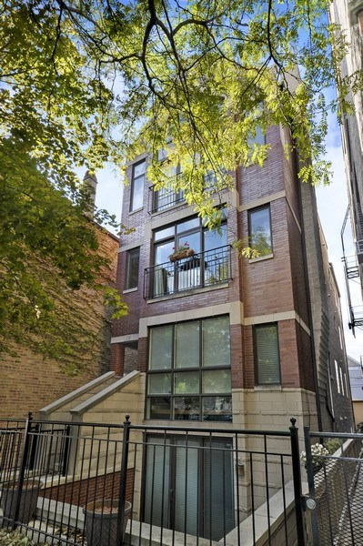 Real Estate Photography - 1246 N Noble, 2, Chicago, IL, 60642 - Front View