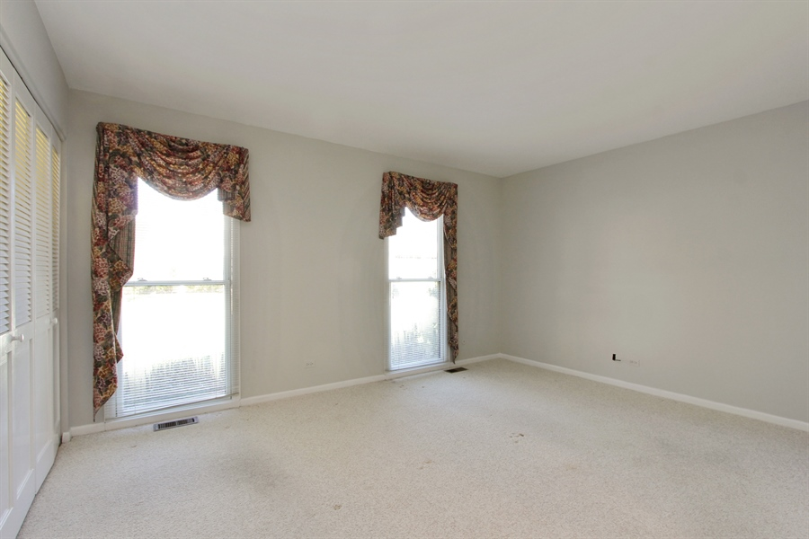 Real Estate Photography - 882 Shambliss, Buffalo Grove, IL, 60089 - Master Bedroom