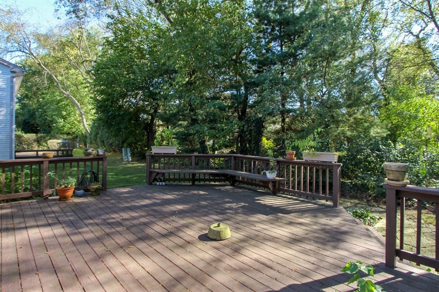 Real Estate Photography - 882 Shambliss, Buffalo Grove, IL, 60089 - Deck