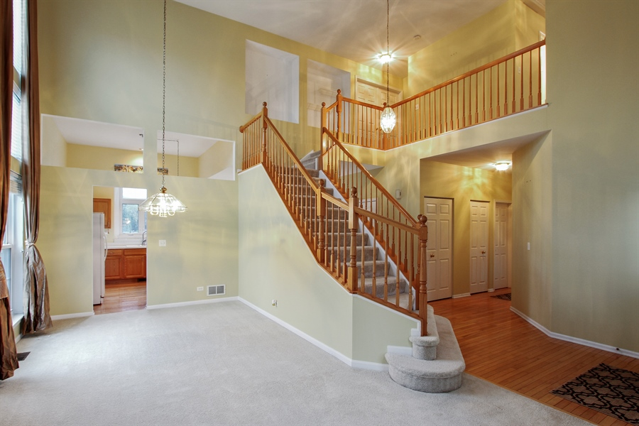 Real Estate Photography - 37156 Deerpath Dr, Lake Villa, IL, 60046 - Foyer