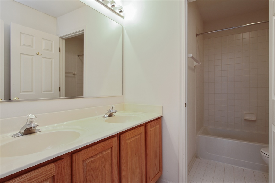 Real Estate Photography - 37156 Deerpath Dr, Lake Villa, IL, 60046 - Bathroom