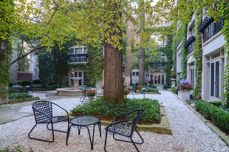 Real Estate Photography - 40 West Schiller, 1B, Chicago, IL, 60610 - Location 4