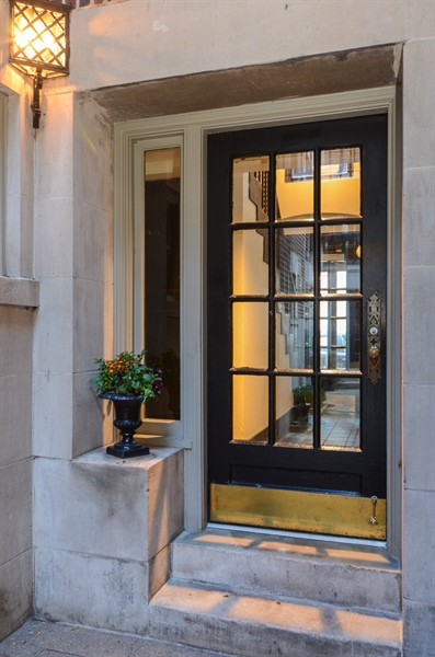 Real Estate Photography - 40 West Schiller, 1B, Chicago, IL, 60610 - Entryway