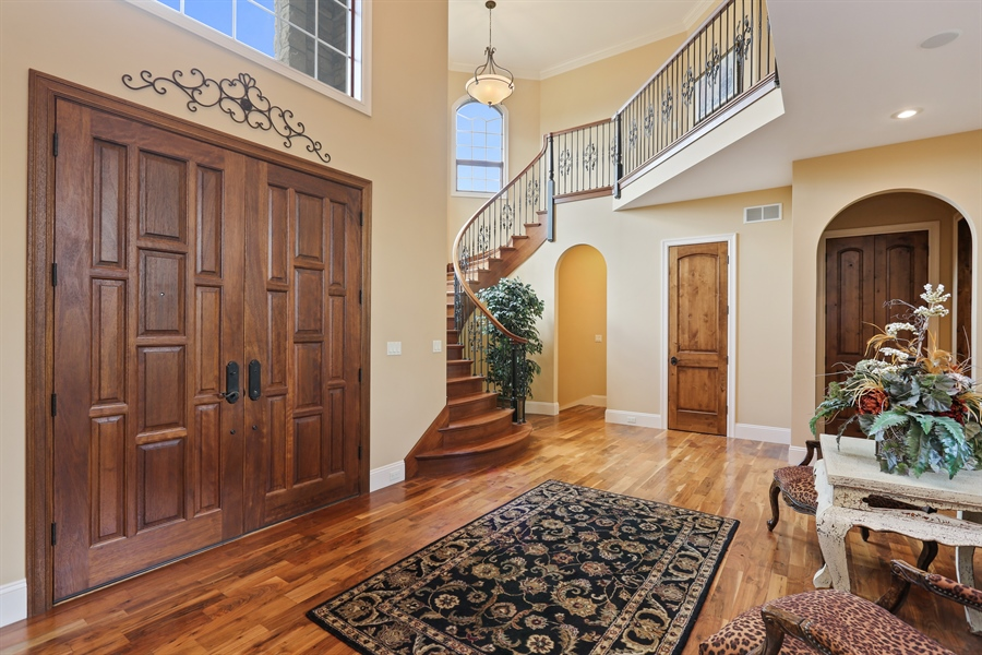 Real Estate Photography - 4945 S Stockbridge Dr, St. Joseph, MI, 49085 - Foyer