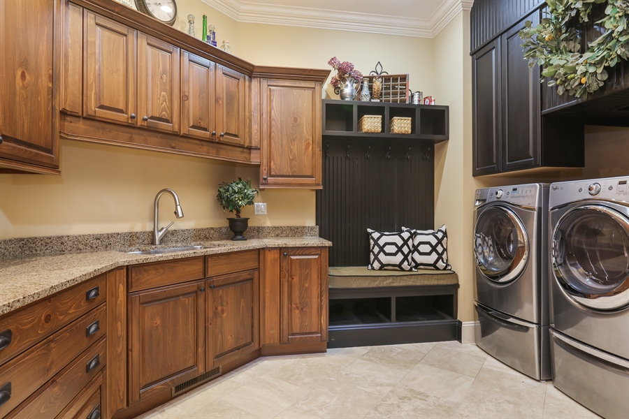 Real Estate Photography - 4945 S Stockbridge Dr, St. Joseph, MI, 49085 - Laundry Room