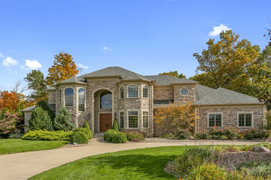 Real Estate Photography - 4945 S Stockbridge Dr, St. Joseph, MI, 49085 - Front View