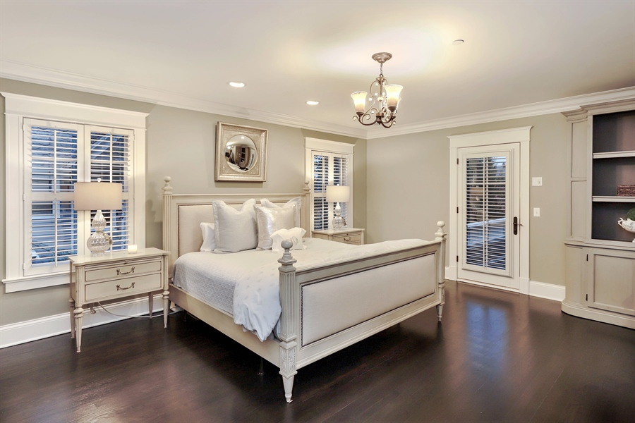 Real Estate Photography - 216 W Cook Avenue, Libertyville, IL, 60048 - Master Bedroom