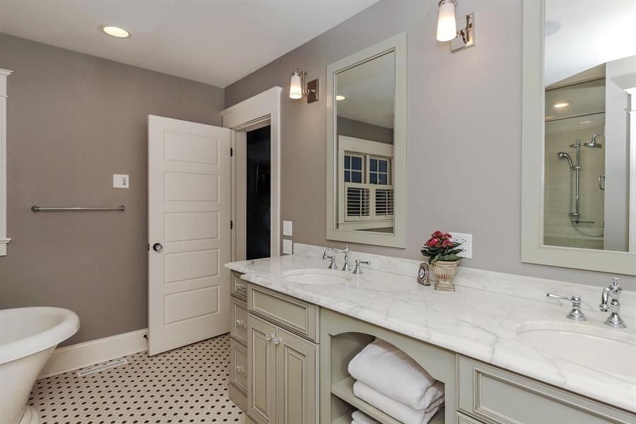 Real Estate Photography - 216 W Cook Avenue, Libertyville, IL, 60048 - Master Bathroom