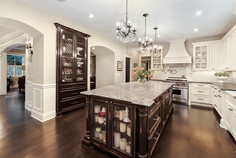 Real Estate Photography - 216 W Cook Avenue, Libertyville, IL, 60048 - Kitchen