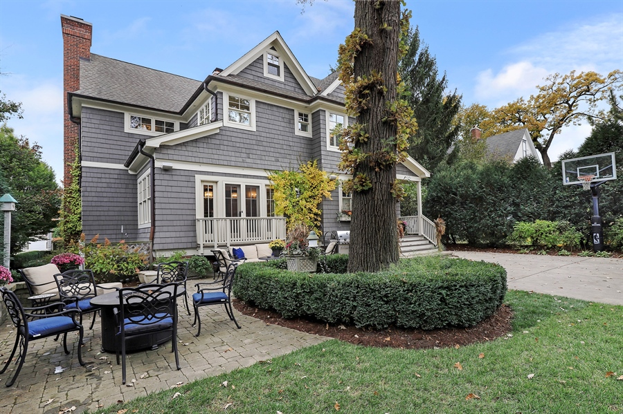 Real Estate Photography - 216 W Cook Avenue, Libertyville, IL, 60048 - Rear View