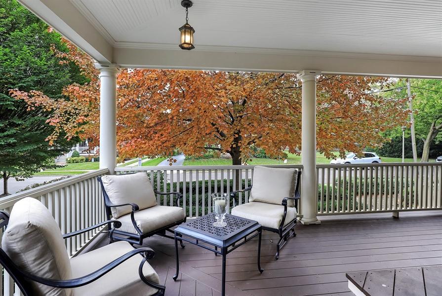 Real Estate Photography - 216 W Cook Avenue, Libertyville, IL, 60048 - Porch