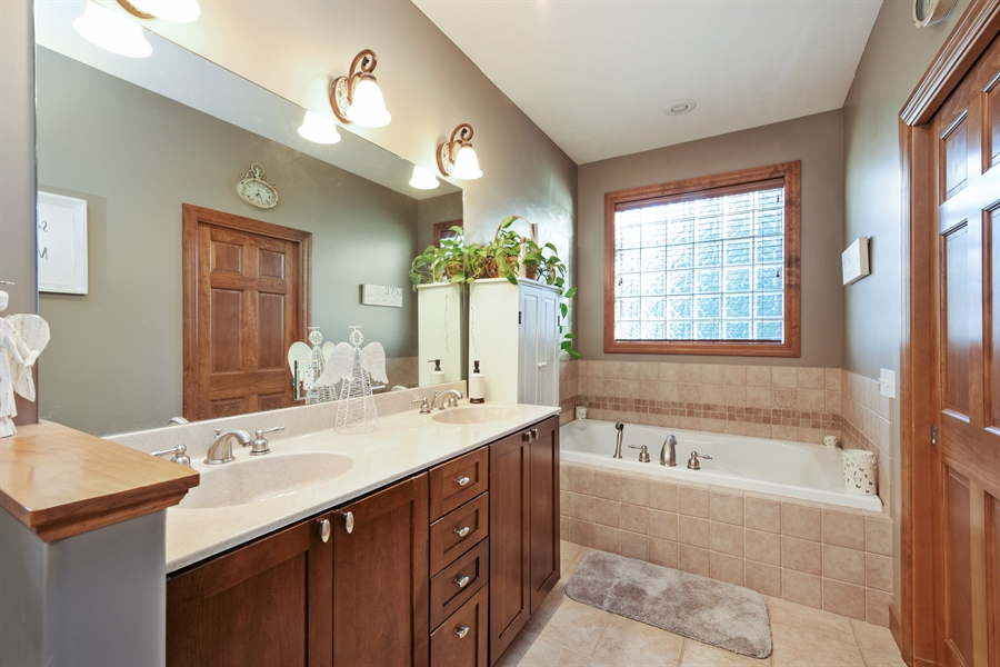 Real Estate Photography - 4231 Abercrombie Dr, Chesterton, IN, 46304 - Master Bathroom