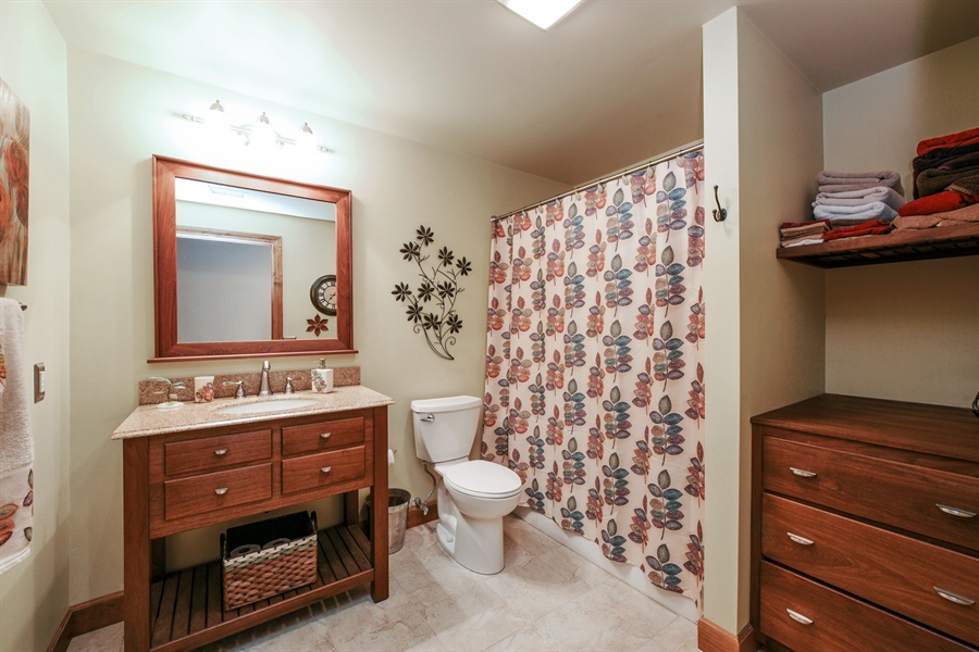 Real Estate Photography - 4231 Abercrombie Dr, Chesterton, IN, 46304 - 2nd Bathroom