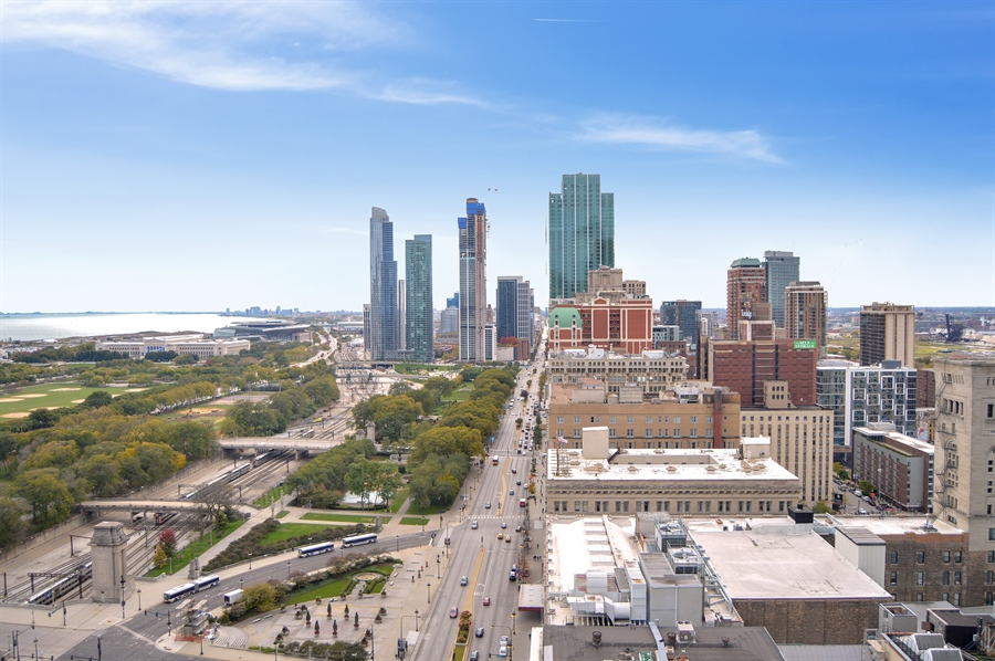 Real Estate Photography - 330 S Michigan, 1905, Chicago, IL, 60604 - City View
