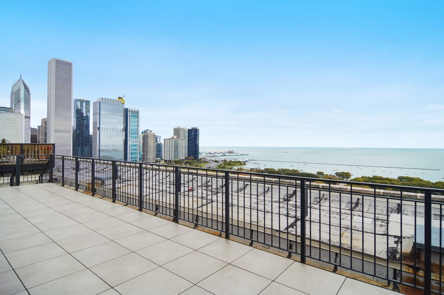 Real Estate Photography - 330 S Michigan, 1905, Chicago, IL, 60604 - Terrace 3