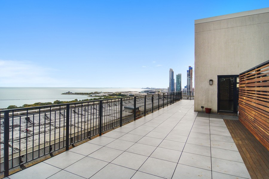 Real Estate Photography - 330 S Michigan, 1905, Chicago, IL, 60604 - Terrace 4