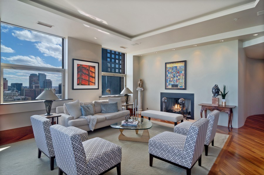 Real Estate Photography - 330 S Michigan, 1905, Chicago, IL, 60604 - Living Room