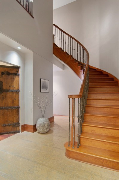 Real Estate Photography - 330 S Michigan, 1905, Chicago, IL, 60604 - Foyer