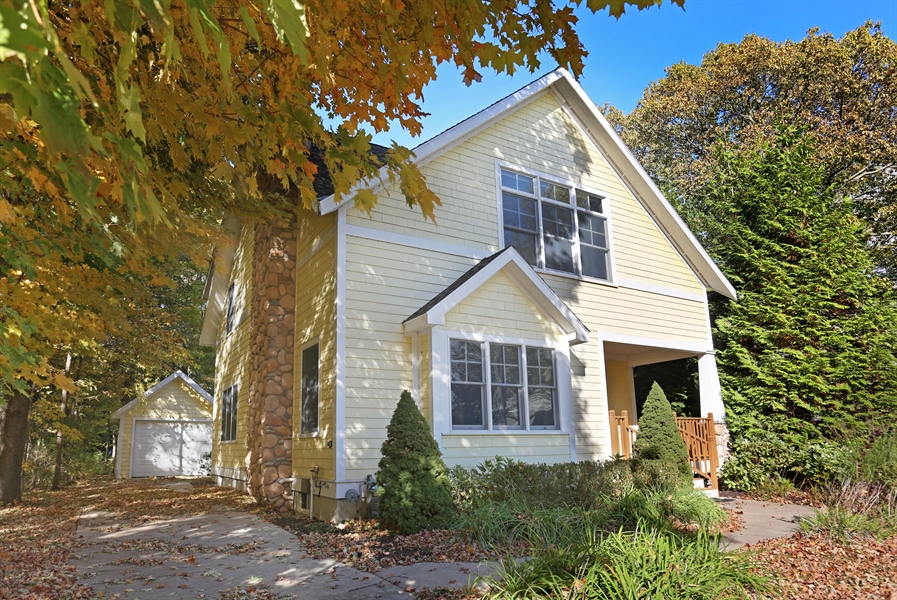 Real Estate Photography - 211 Brockway, South Haven, MI, 49090 - Front View
