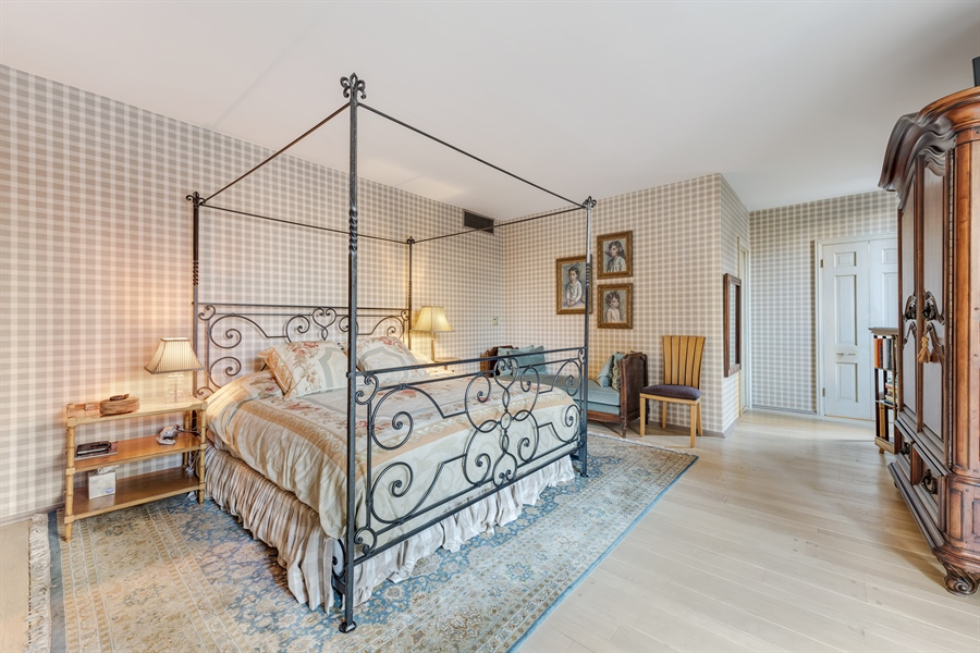 Real Estate Photography - 1040 Lake Shore Drive, Unit 5B, Chicago, IL, 60611 - Master Bedroom Suite