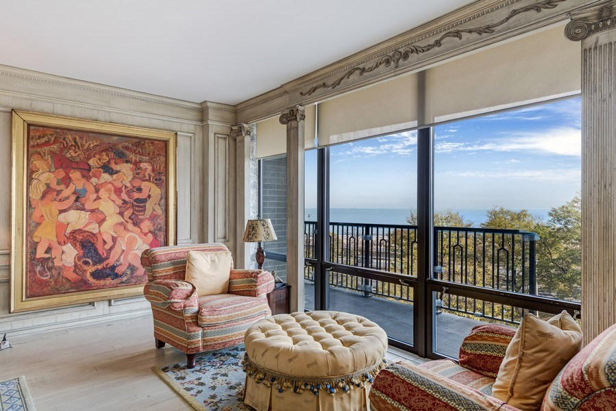 Real Estate Photography - 1040 Lake Shore Drive, Unit 5B, Chicago, IL, 60611 - Living Room /Sitting Area