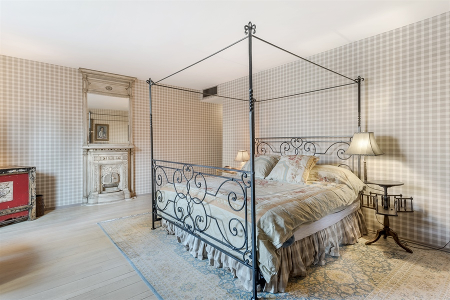 Real Estate Photography - 1040 Lake Shore Drive, Unit 5B, Chicago, IL, 60611 - Master Bedroom