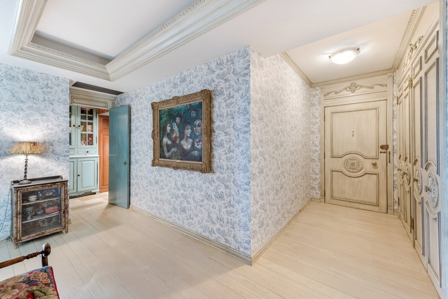 Real Estate Photography - 1040 Lake Shore Drive, Unit 5B, Chicago, IL, 60611 - Entryway