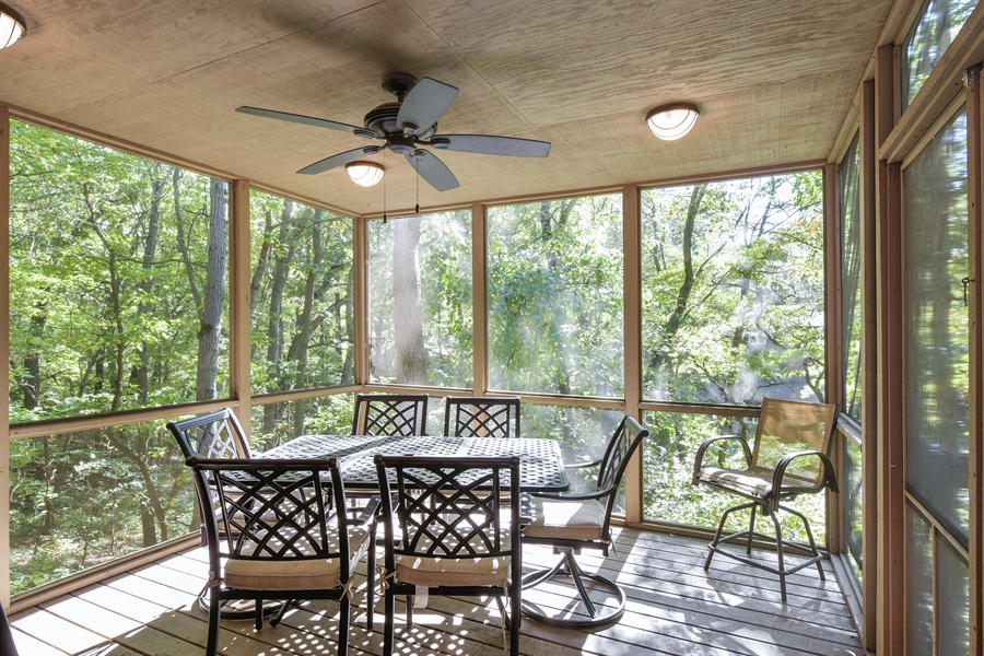 Real Estate Photography - 403 E Roberts Ave, Beverly Shores, IN, 46301 - Porch