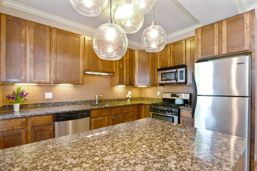 Real Estate Photography - 1849 W Newport, 2, Chicago, IL, 60657 - Kitchen