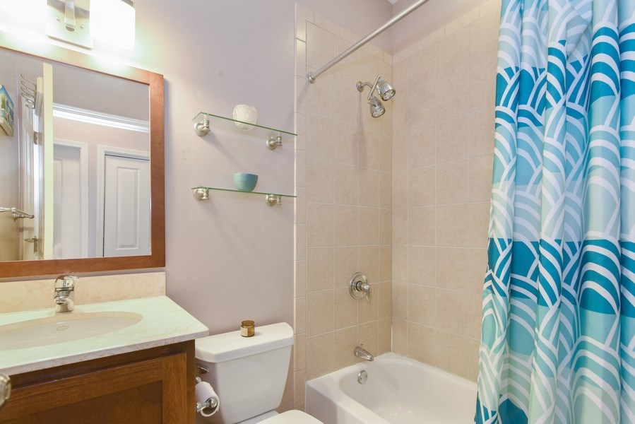 Real Estate Photography - 1849 W Newport, 2, Chicago, IL, 60657 - Bathroom