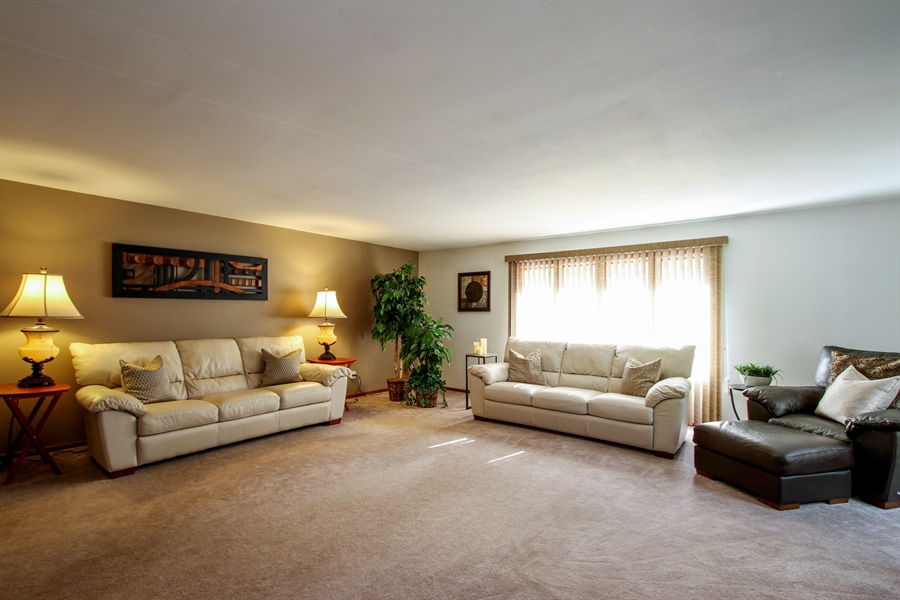 Real Estate Photography - 21758 W Brentwood Ln, Lake Villa, IL, 60046 - Family Room