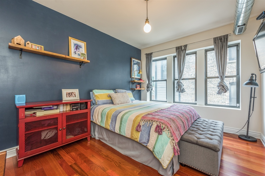 Real Estate Photography - 1944 W Newport Ave, Unit 1, Chicago, IL, 60657 - Master Bedroom