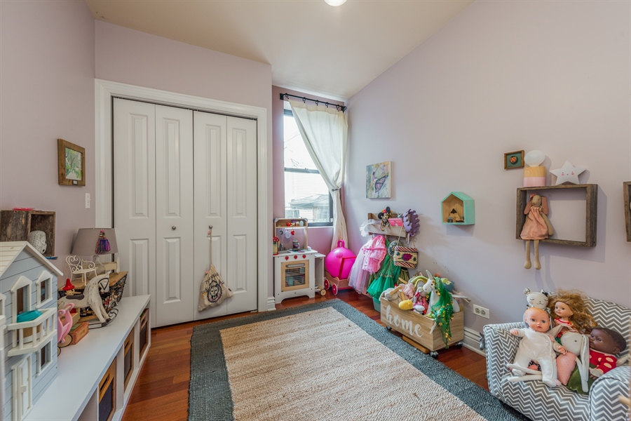Real Estate Photography - 1944 W Newport Ave, Unit 1, Chicago, IL, 60657 - 2nd Bedroom