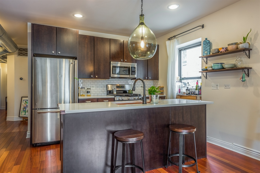 Real Estate Photography - 1944 W Newport Ave, Unit 1, Chicago, IL, 60657 - Kitchen