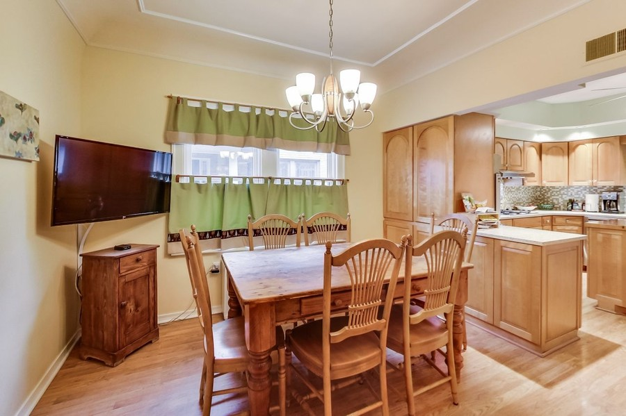 Real Estate Photography - 1215 Park Ave, River Forest, IL, 60305 - Breakfast Room