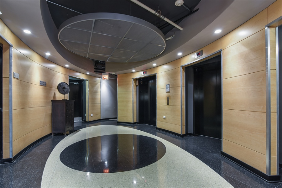 Real Estate Photography - 1000 N Kingsburry, Unit 709, Chicago, IL, 60610 - Lobby