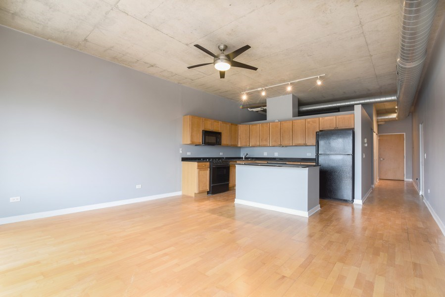 Real Estate Photography - 1000 N Kingsburry, Unit 709, Chicago, IL, 60610 - Kitchen/Living