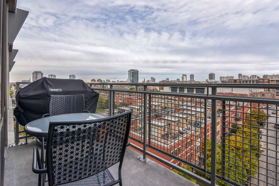 Real Estate Photography - 1000 N Kingsburry, Unit 709, Chicago, IL, 60610 - Balcony