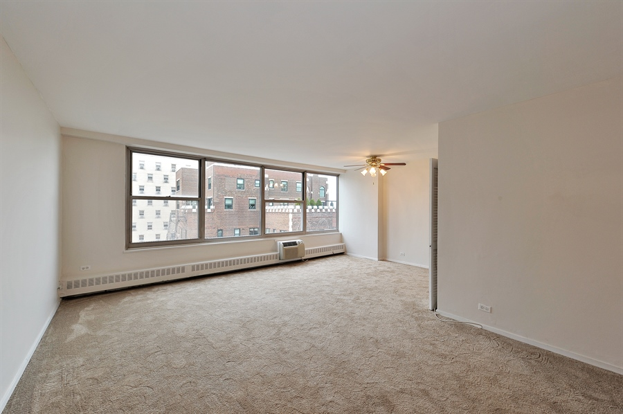 Real Estate Photography - 3900 N Lake Shore Dr, Unit 20G, Chicago, IL, 60613 - Living Room