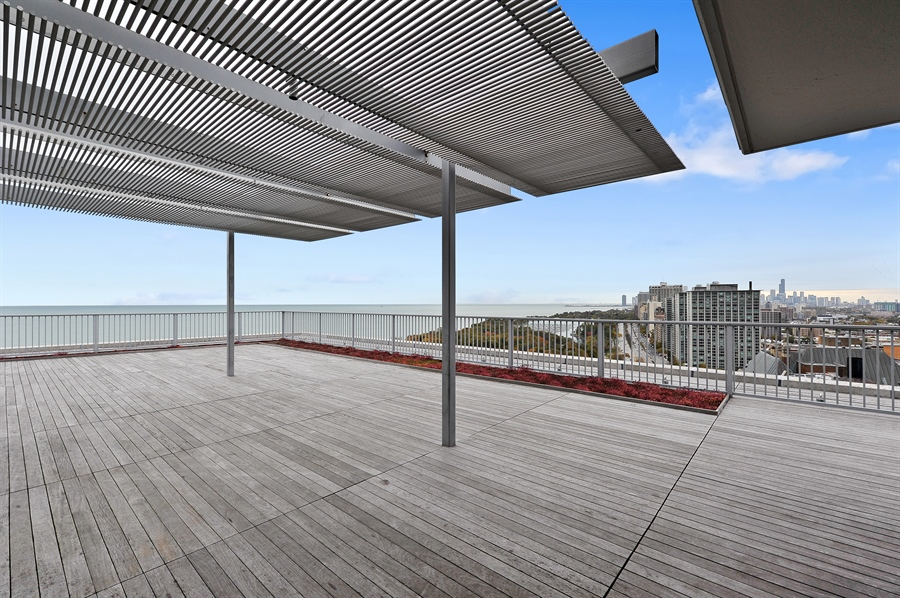 Real Estate Photography - 3900 N Lake Shore Dr, Unit 20G, Chicago, IL, 60613 - Roof Deck