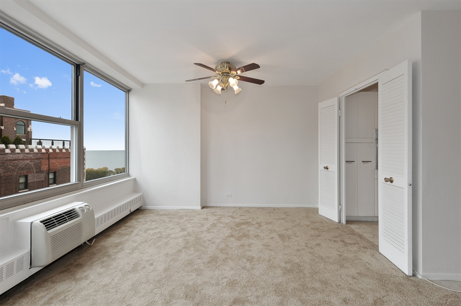 Real Estate Photography - 3900 N Lake Shore Dr, Unit 20G, Chicago, IL, 60613 - Dining Room