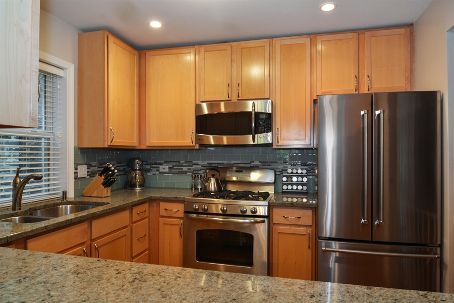 Real Estate Photography - 2648 N Seminary, unit 3, Chicago, IL, 60614 - Kitchen