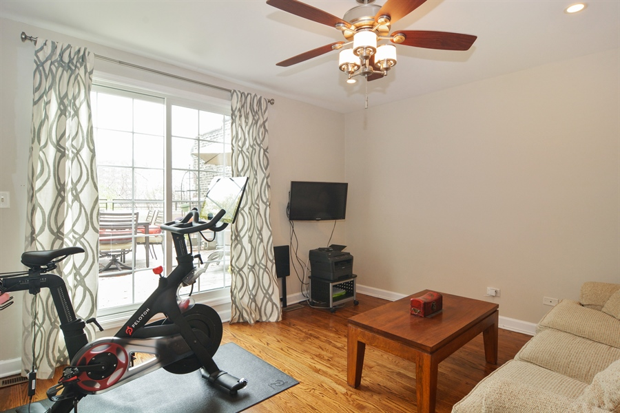 Real Estate Photography - 2648 N Seminary, unit 3, Chicago, IL, 60614 - Family Room