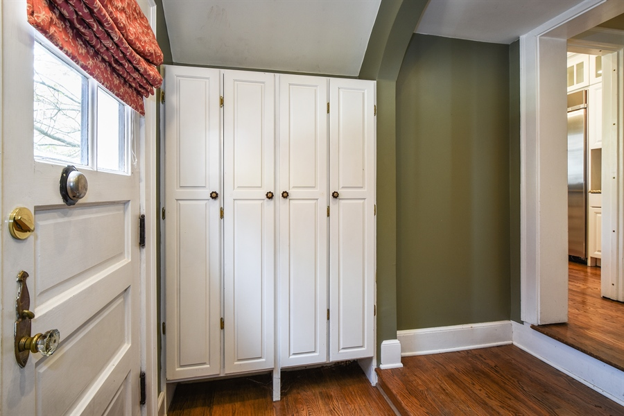 Real Estate Photography - 603 S Summit St, Barrington, IL, 60010 - Mudroom