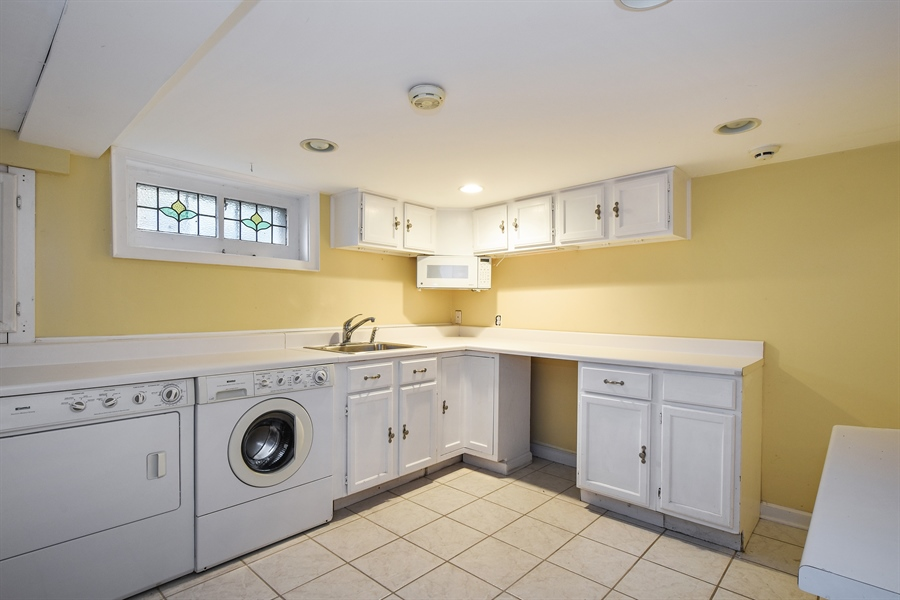 Real Estate Photography - 603 S Summit St, Barrington, IL, 60010 - Laundry Room