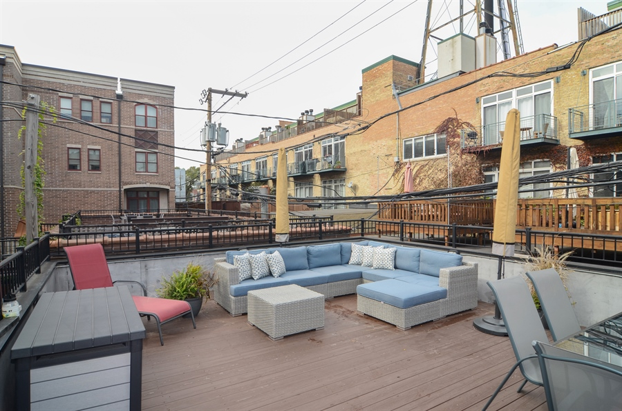 Real Estate Photography - 2312 W Wabansia Ave, Unit 1, Chicago, IL, 60647 - Common Sundeck