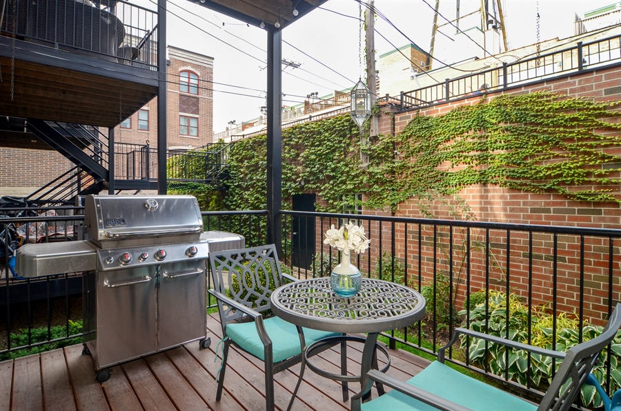Real Estate Photography - 2312 W Wabansia Ave, Unit 1, Chicago, IL, 60647 - Deck