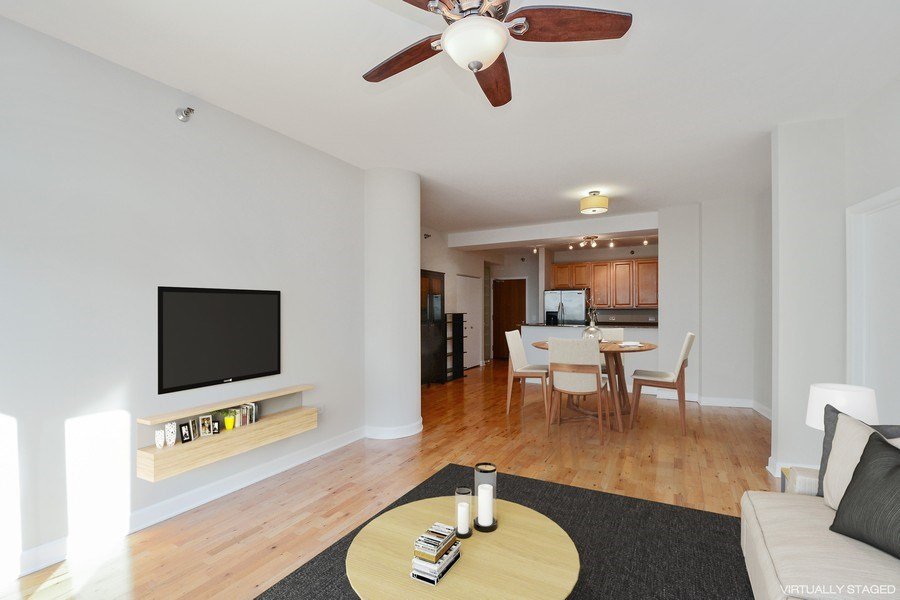 Real Estate Photography - 1322 S Prairie, unit 1105, Chicago, IL, 60605 - Living Room