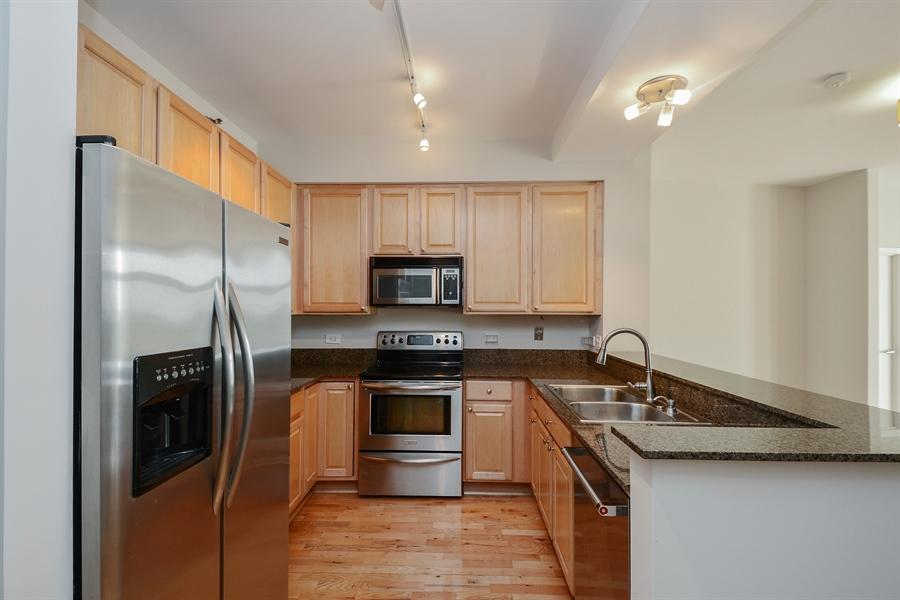 Real Estate Photography - 1322 S Prairie, unit 1105, Chicago, IL, 60605 - Kitchen