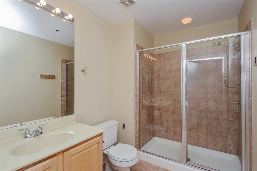 Real Estate Photography - 1322 S Prairie, unit 1105, Chicago, IL, 60605 - Bathroom